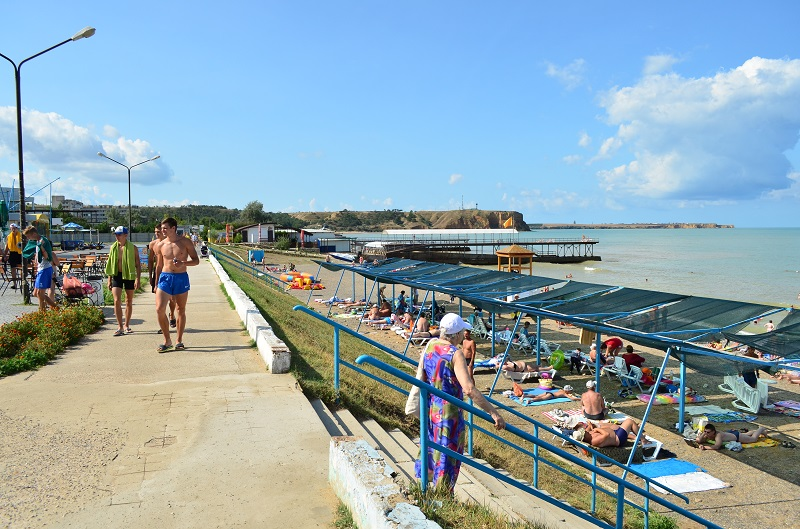 Пляж в поселке Песчаное фото