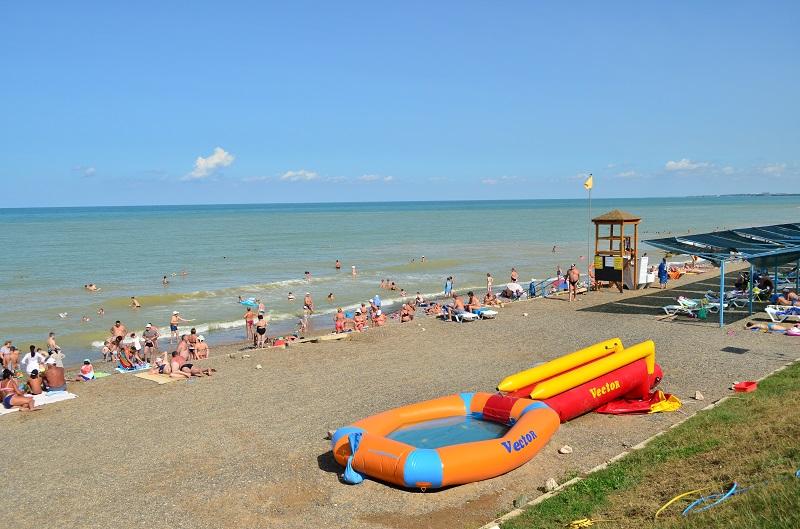 Песчаные пляжи Крыма в поселке Песчаное